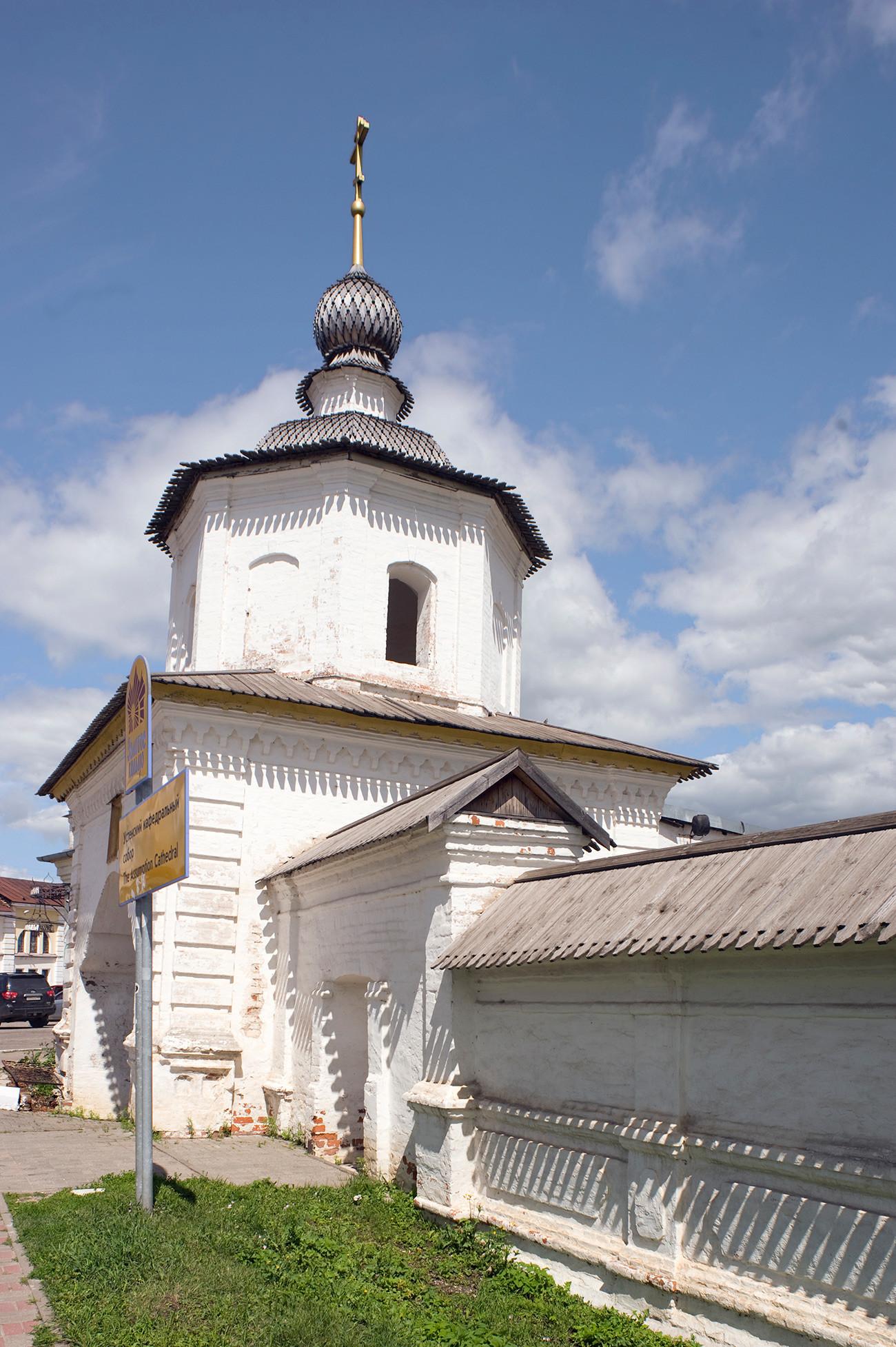 Rostov. Porta Santa (ingresso al complesso della cattedrale). Vista sud. 5 luglio 2019