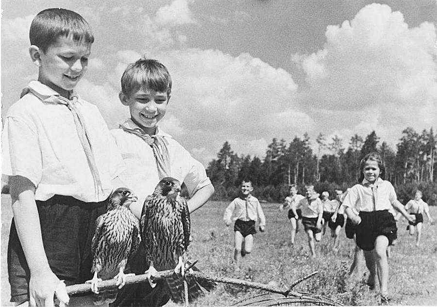 Jovens naturalistas, década de 1930