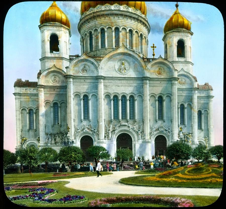 1931年の夏、崩壊する前の救世主ハリストス大聖堂