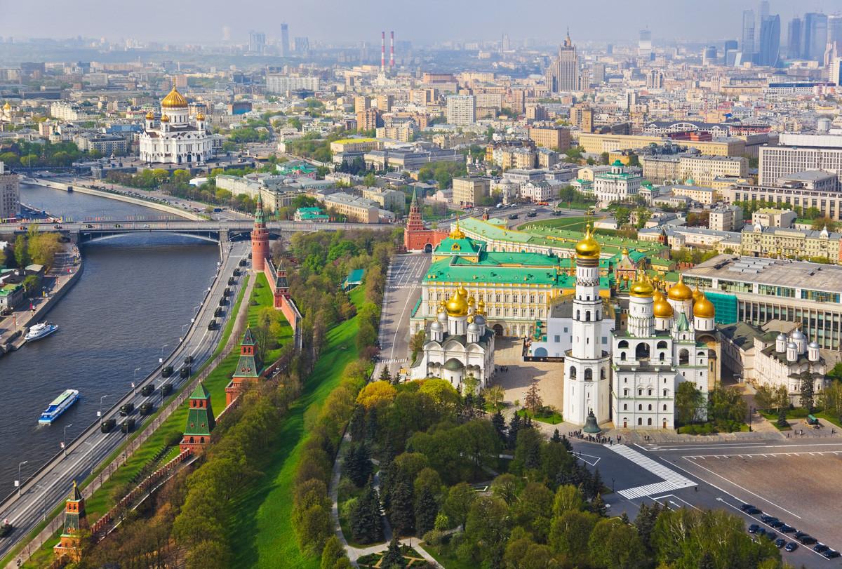 Kathedralen des Moskauer Kremls und die Christ-Erlöser-Kathedrale