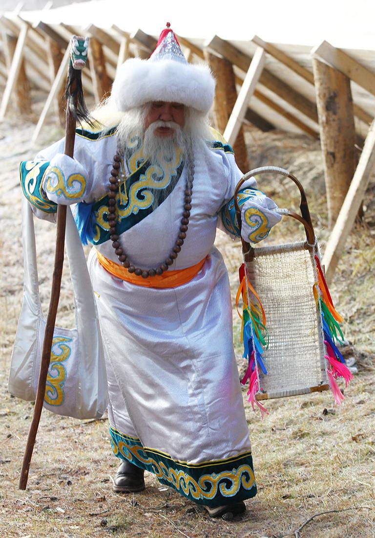 Saagan Ubugen, na Buriátia