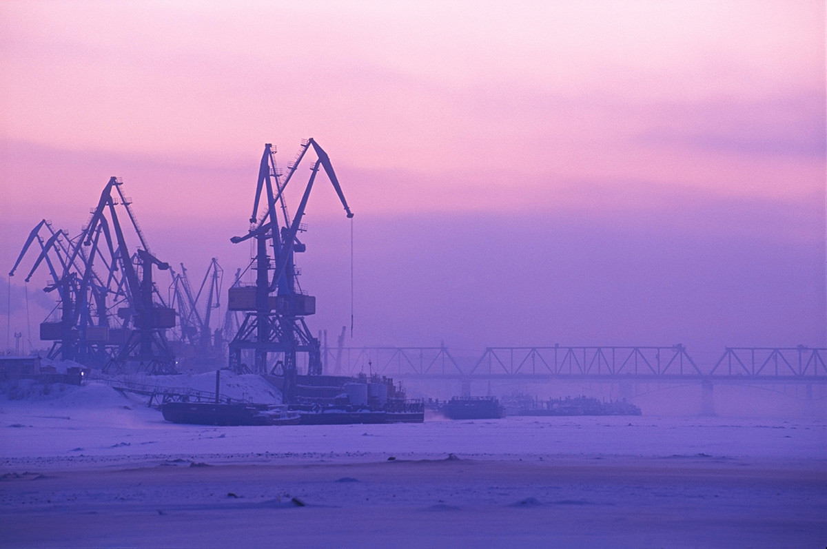 ノヴォシビルスク付近、オビ川の港