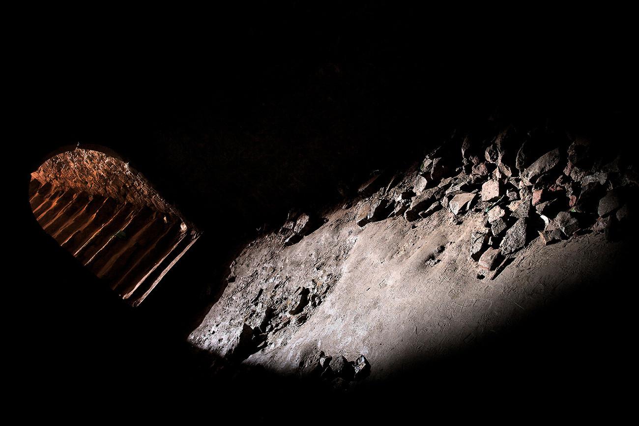 クレムリンの地下道で地下牢があった。