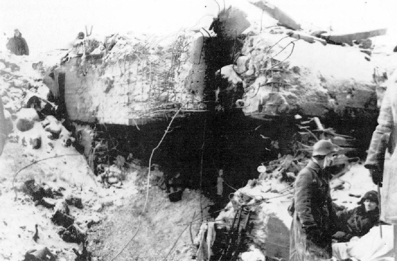 Finski bunker br. 42 koji je na Mannerheimovoj liniji uništila Crvena armija.