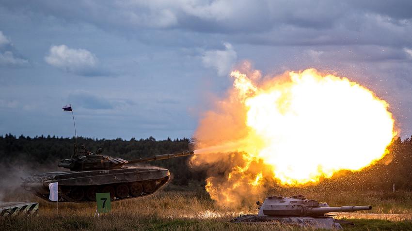 Боен танк Т-72Б3