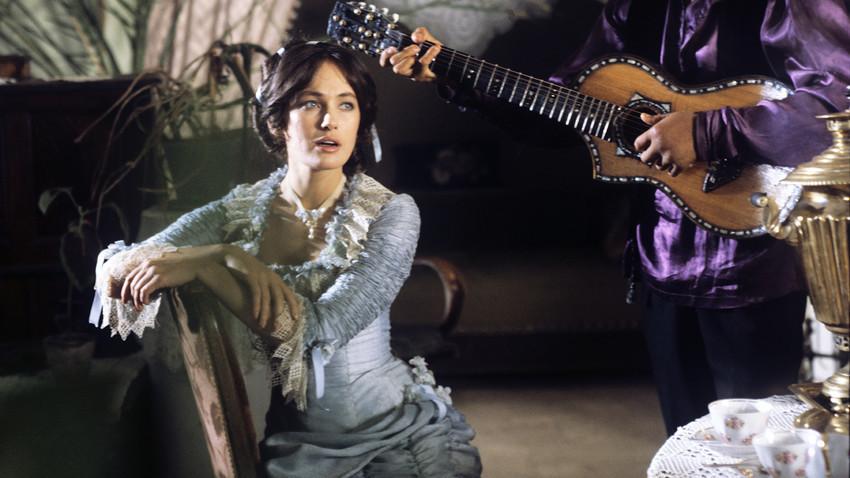 Glumica Larisa Guzejeva u filmu Okrutna romansa