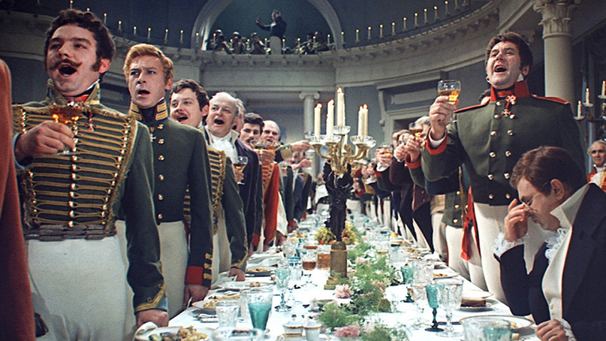Cuplikan film Voyna i mir (Perang dan Perdamaian).