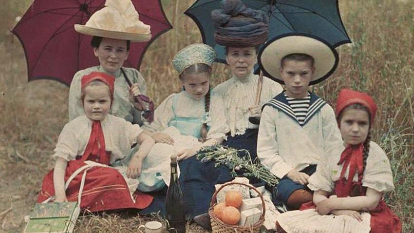 Bambini a Jalta, in Crimea, 1910