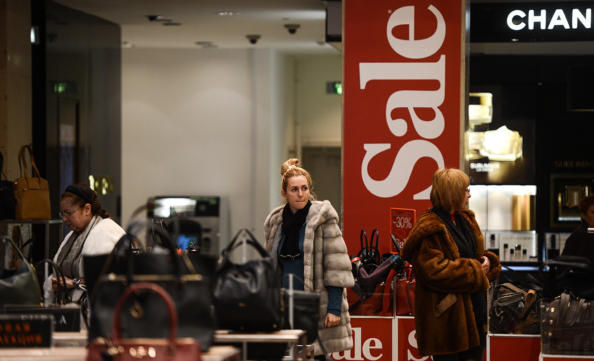 During the winter sales at the Central Department Store (TsUM), Moscow