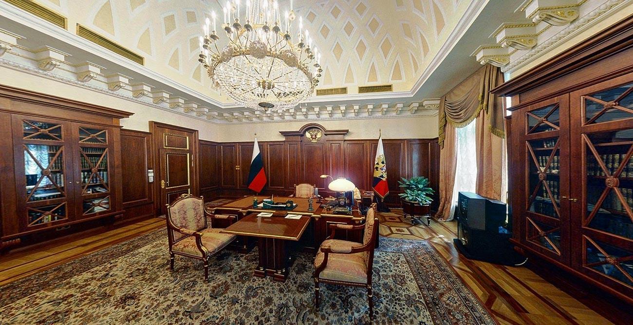 Le bureau du président de la Russie au Palais du Sénat