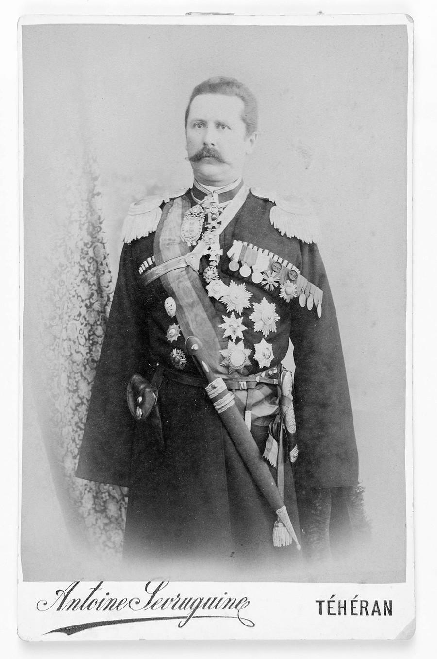 Владимир Андрејевич Косоговски (1857-1918), генерал-лајтнант, командант Персијске козачке бригаде.