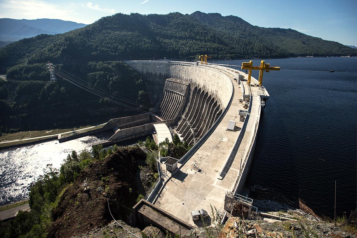 Vue du barrage de Saïano-Chouchensk