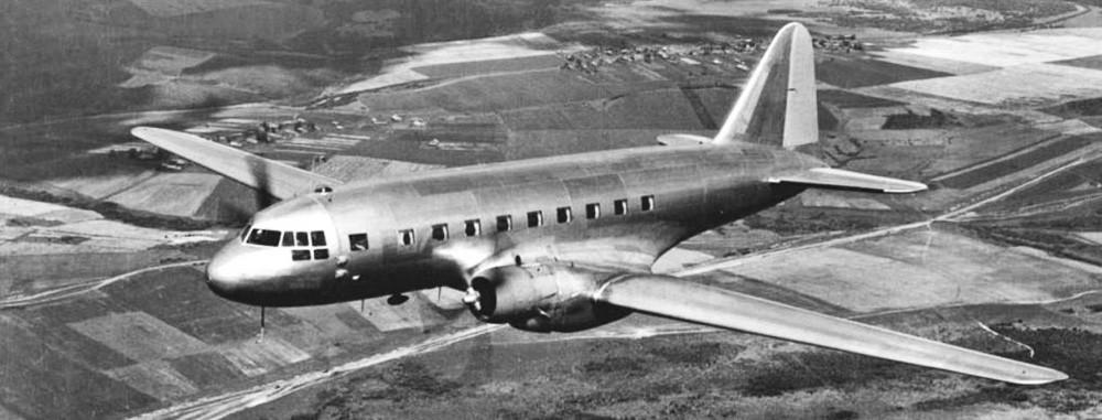 Avião de transporte Ilyushin IL-2.