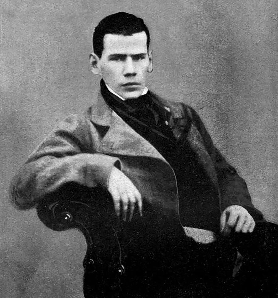 Tolstoi im Alter von 20 Jahren