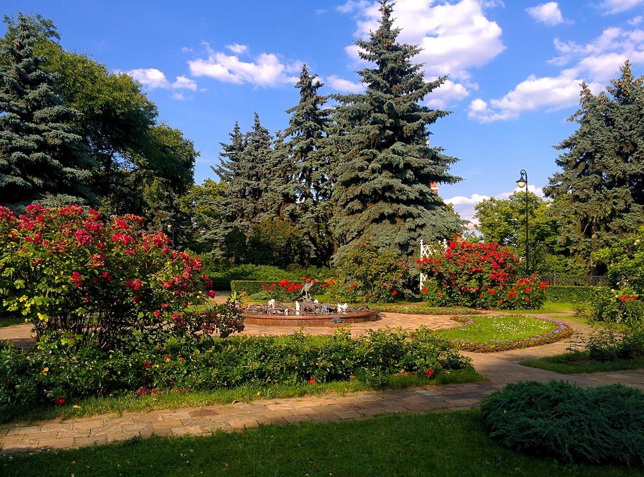Kremlin gardens.