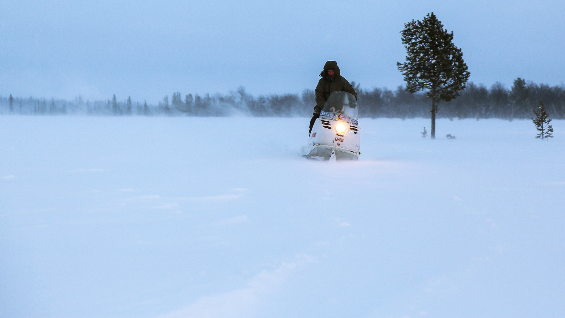 Un éleveur de rennes dans l'Arctique russe