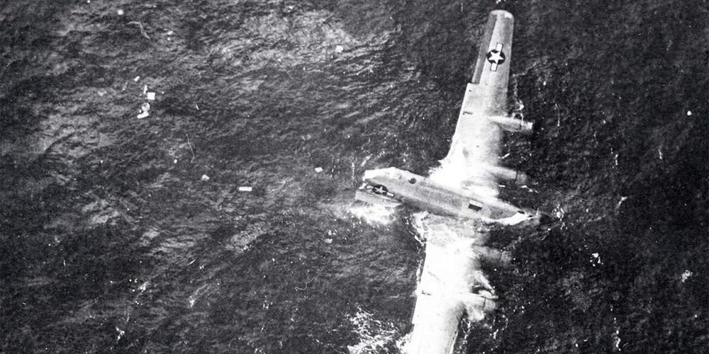 ostanki sestreljenega RB-50 v vodah Tihega oceana