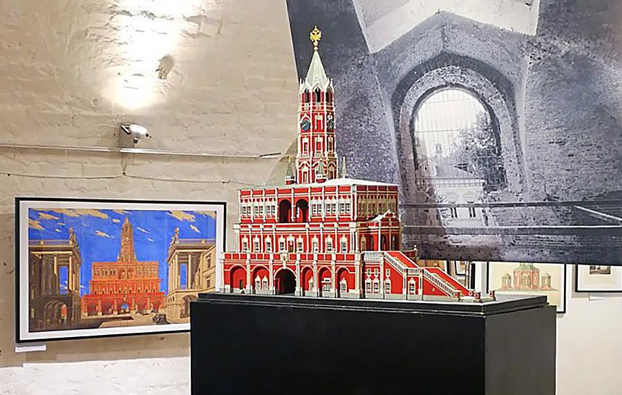 Модель Сухаревой башни