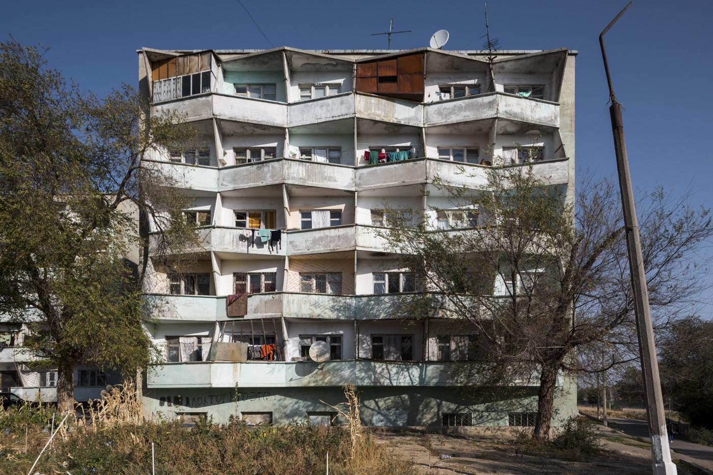 Edificio residenziale (anni '70). Chkalovsk, Tajikistan