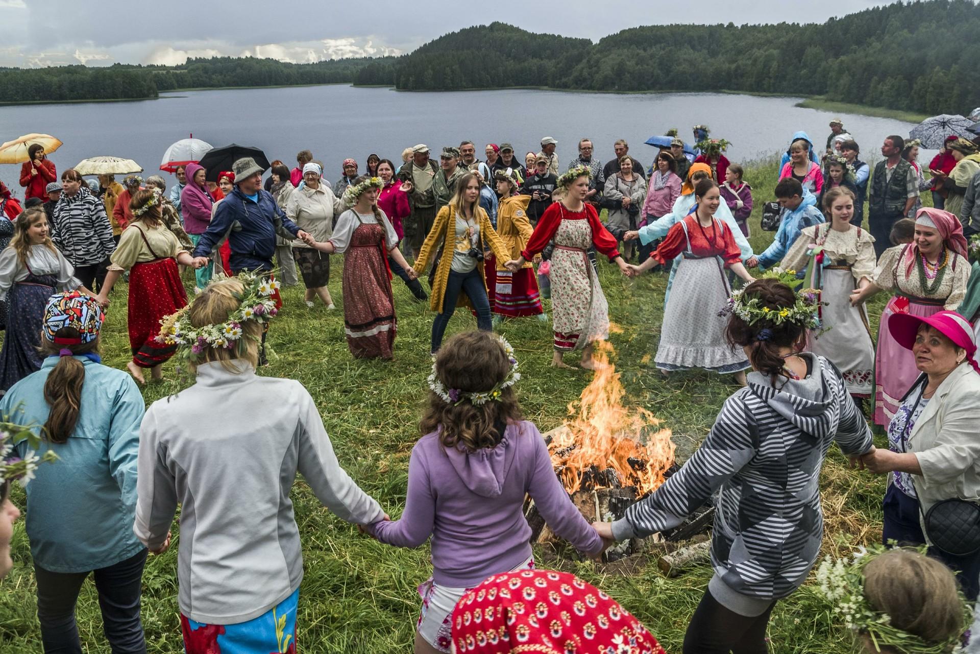 Festival Internasional Wawasan Tradisional di Taman Nasional Kenozero, Arkhangelsk, Rusia.