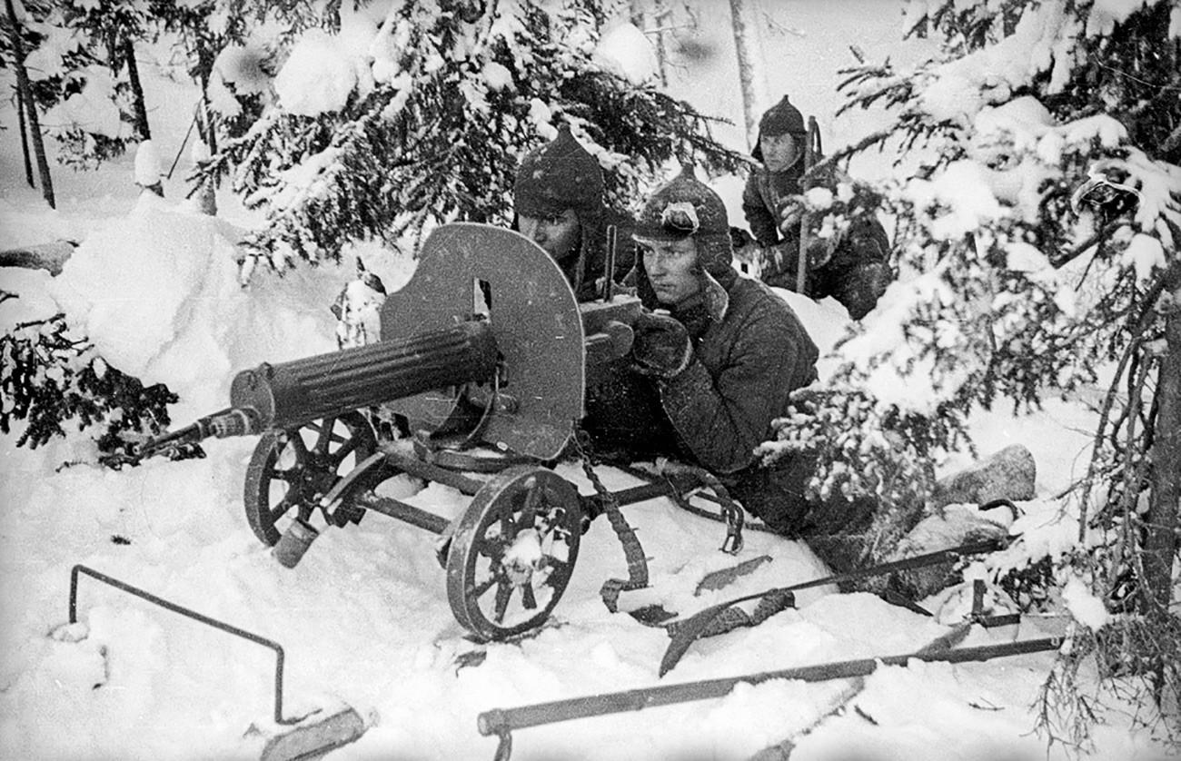 Советско-финская война. Пулеметчики на передовой позиции.