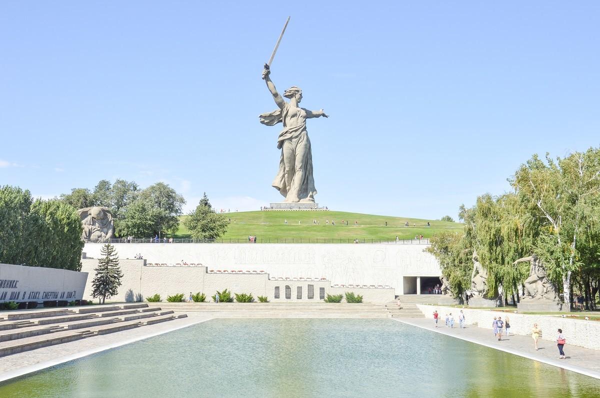 La gigantesque statue de l'Appel de la Mère-Patrie, à Volgograd (ancienne Stalingrad).
