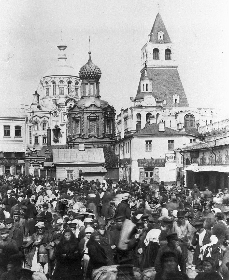 L'église de l'Icône de Notre-Dame de Vladimir, près des portes Saint-Nicolas, à Kitaï-gorod, fin du XVIIIe siècle