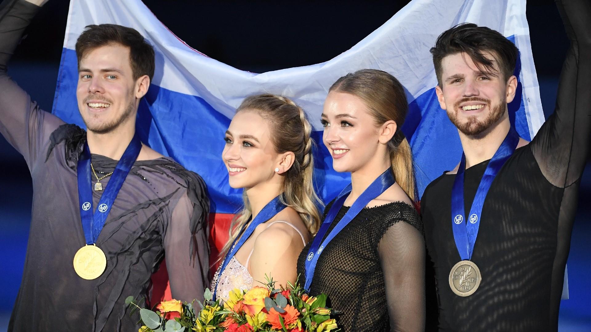 Les patineurs russes Victoria Sinitsina, Nikita Katsalapov, Alexandra Stepanova et Ivan Bukin
