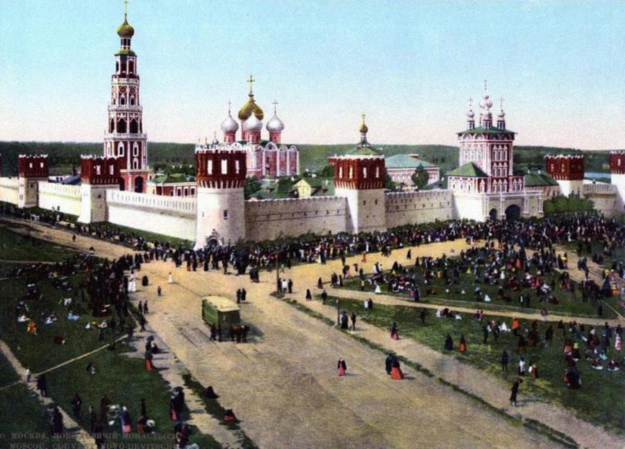 El Convento de Novodévichi, Moscú. Alrededor de 1890.