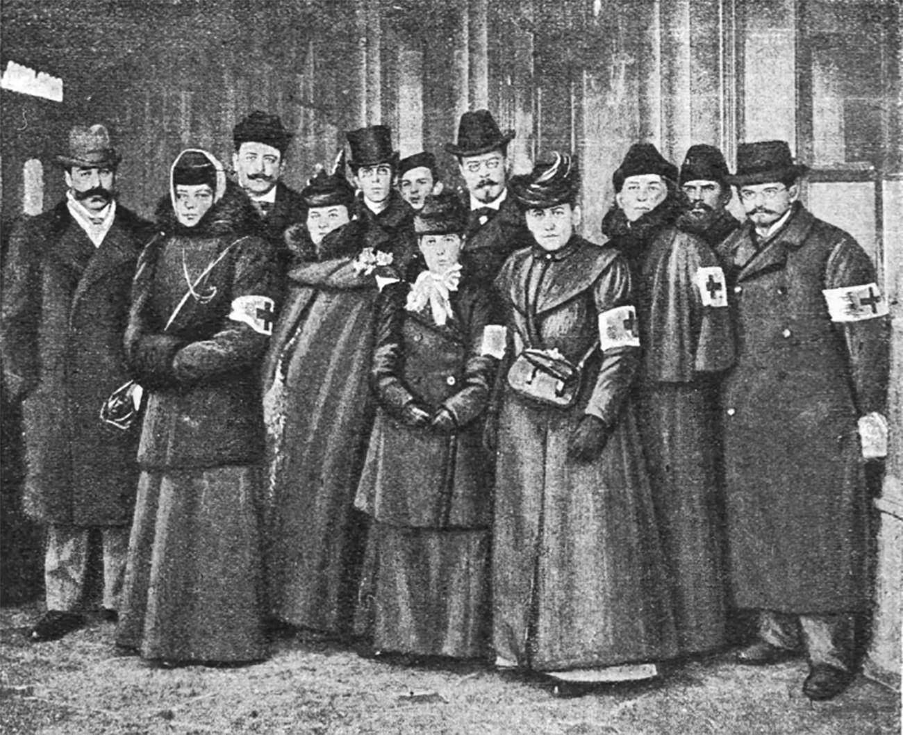 Руско-холандски санитарен одред тргнува од Петербург во помош на Бурите. Варшавска железничка станица 1899 година.
