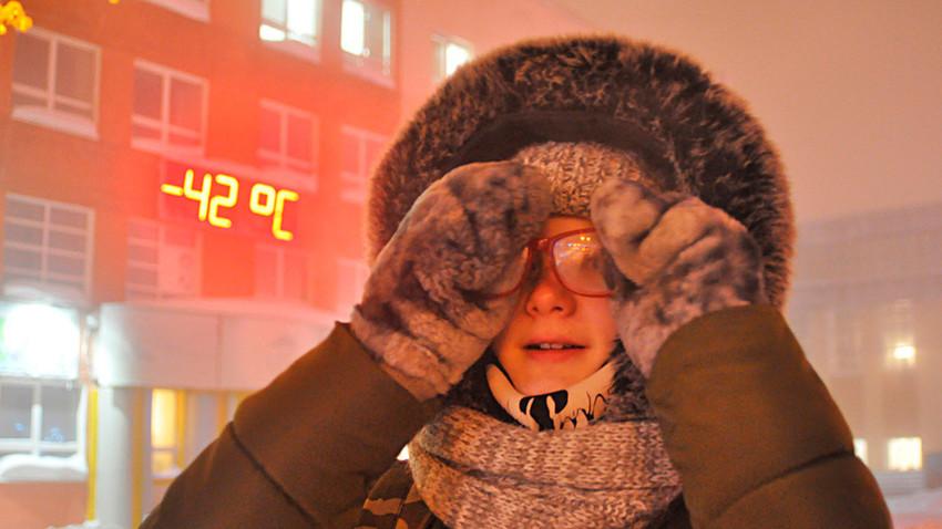 Dekle na -42 stopinjah v Norilsku