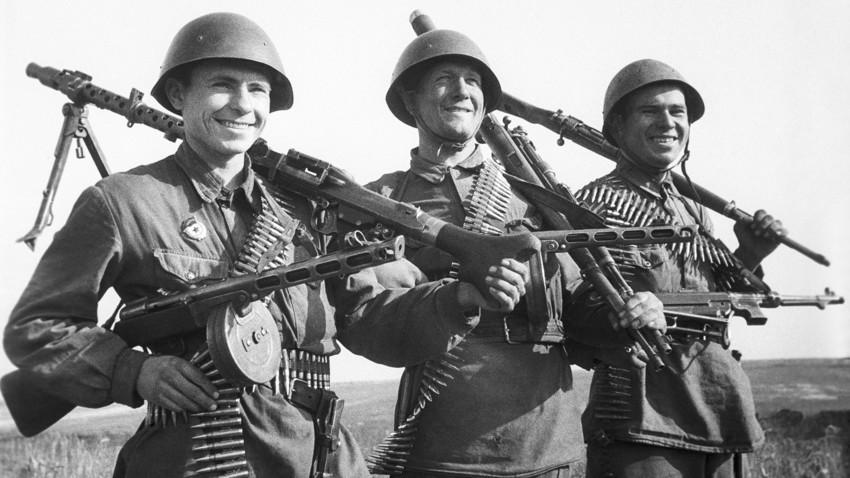 Голема татковинска војна, 1942 година.