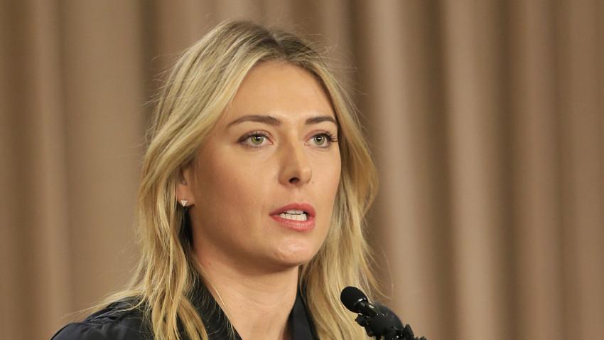 Maria Sharapova dalam konferensi pers di California, Amerika Serikat, 2016.