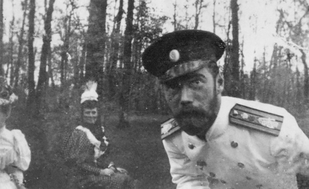 Nicholas II takes a selfie