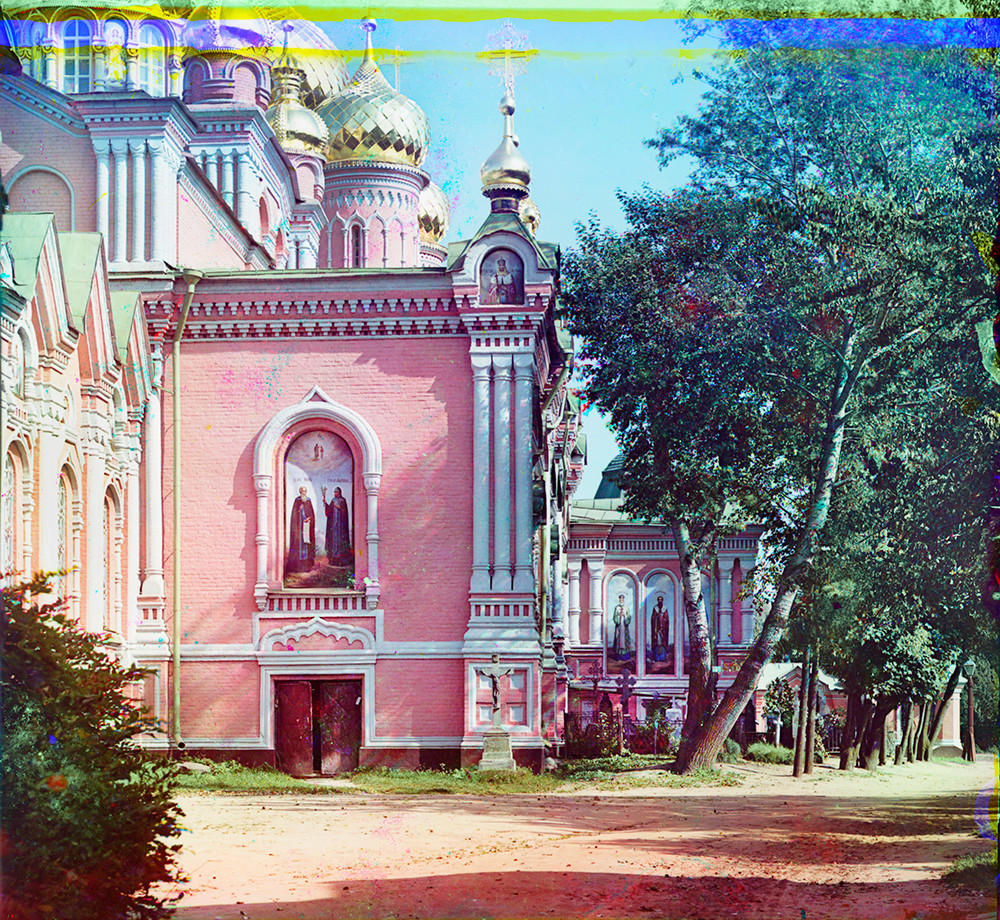 Epiphany Cathedral. Southwest corner with south gallery of