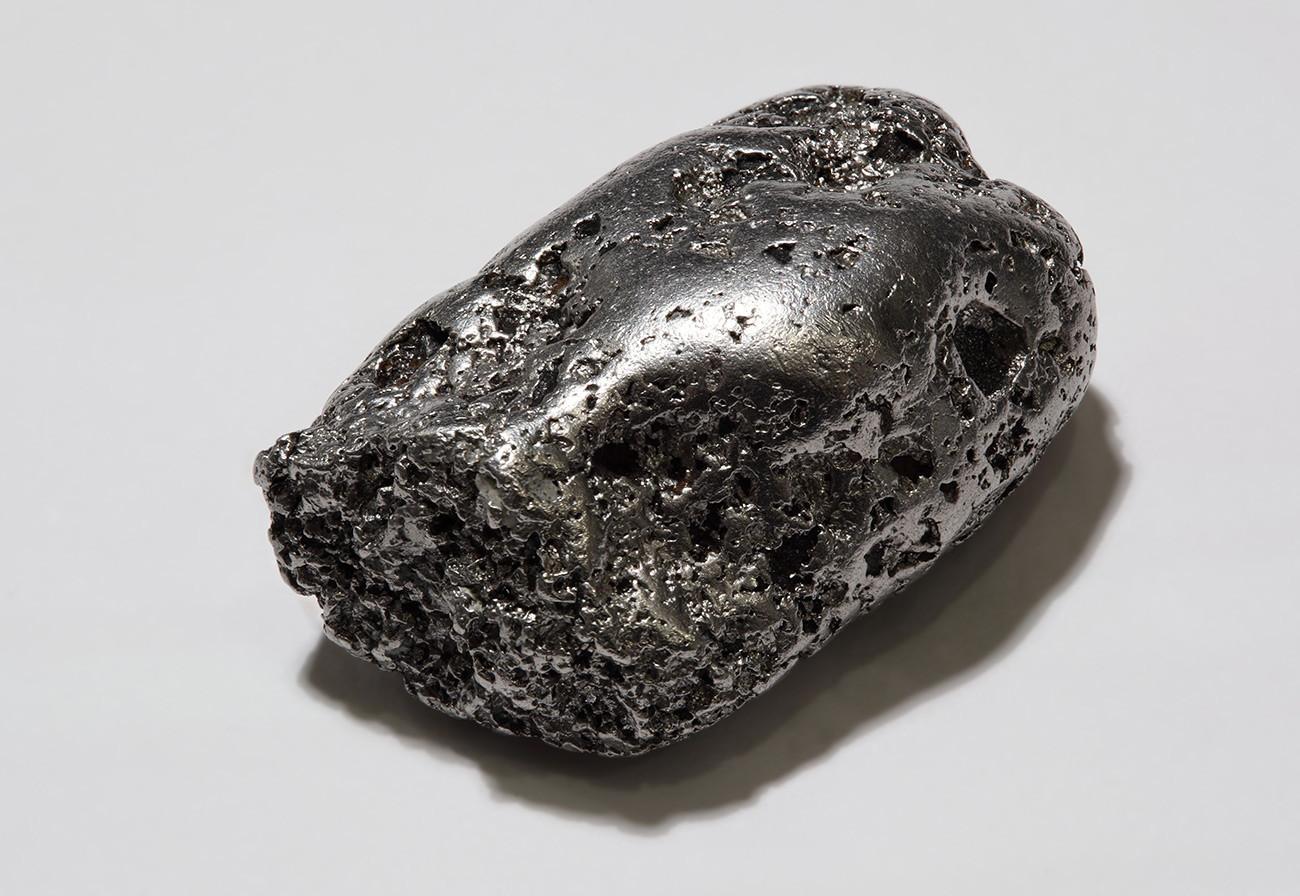 コンジョル山脈で発掘された白金のかたまり