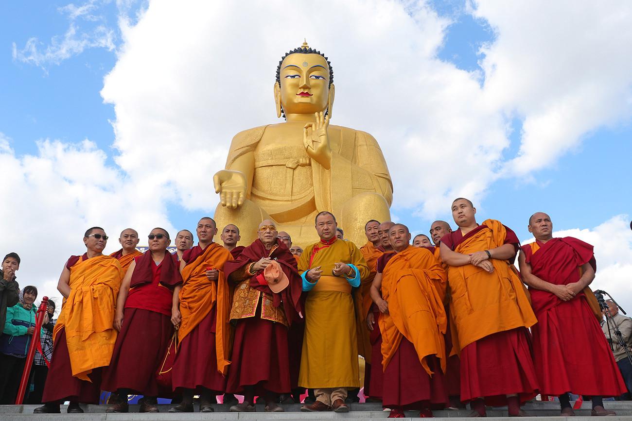 Откривање највећег Будиног кипа у Европи. Калмикија, Русија.