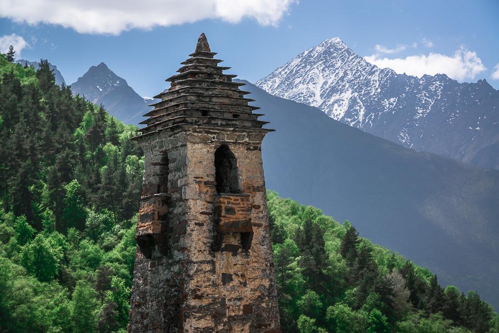 Menara di permukiman kuno Niy, Ingushetia, Distrik Dzheyrakhsky.