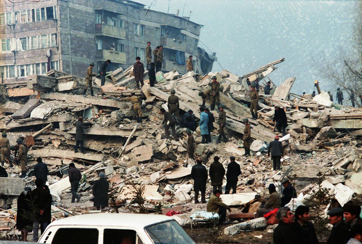 スピタック地震の被害