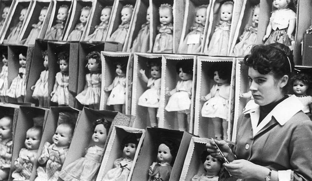 Poupées (magasin de jouets Detski Mir, Moscou, 1961)