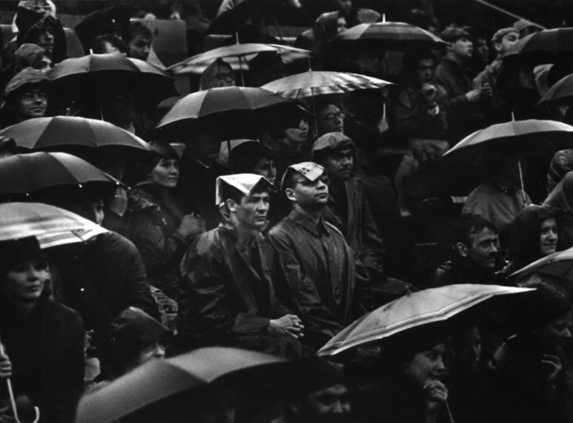 サポーターたち (ディナモ・アリーナ、モスクワ、1965年)