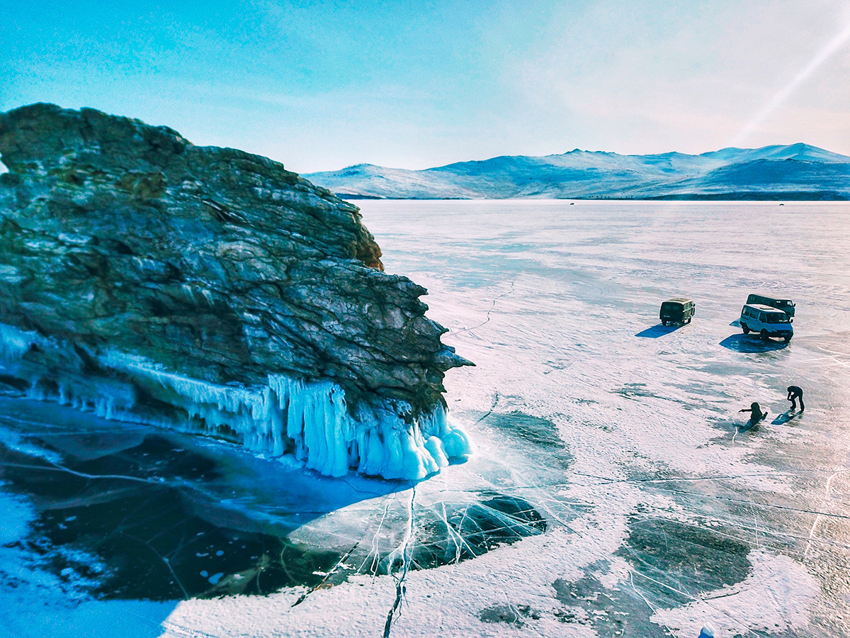 Rare drivers will bring you from one side of Baikal to another. This is the Dragon Cape on Ogoy island, one of the most picturesque places of the frozen Lake Baikal