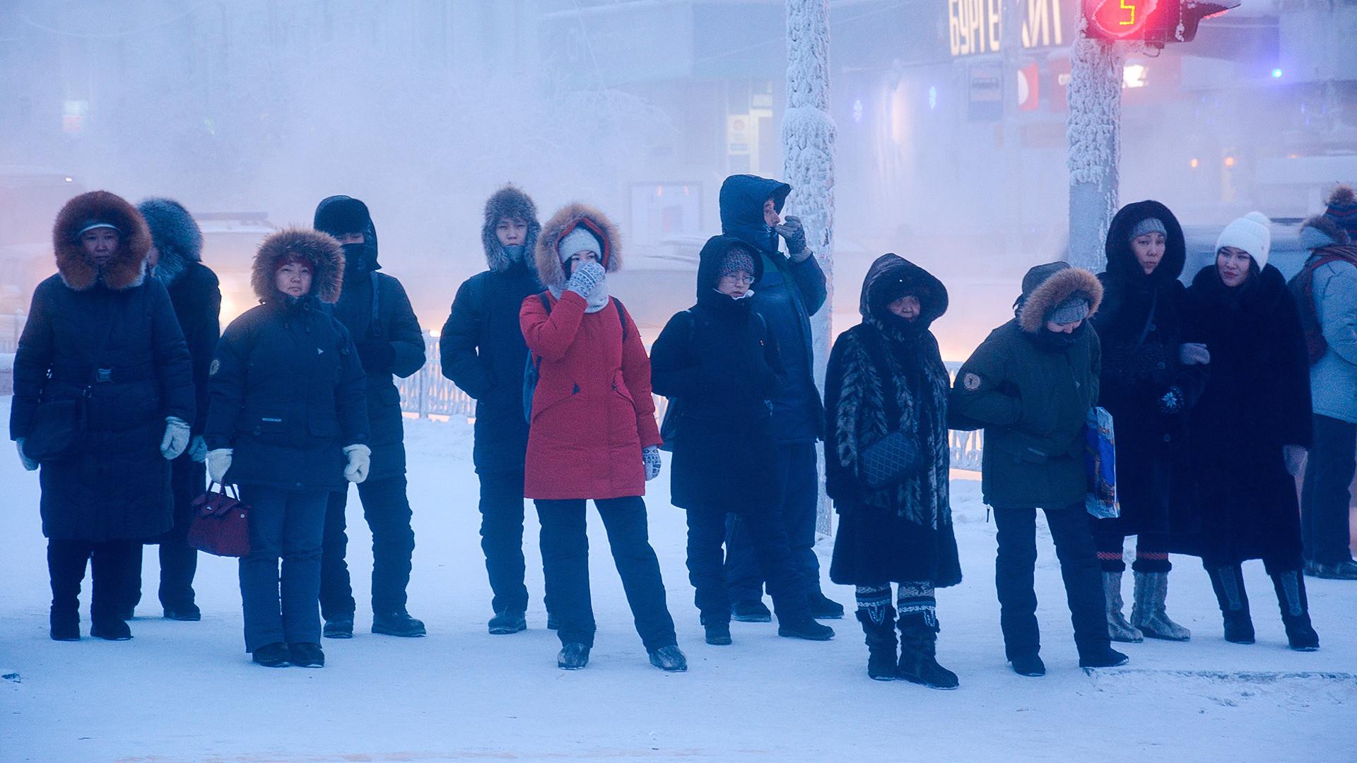 Jakutsk, temperatura zunaj je - 47 stopinj.
