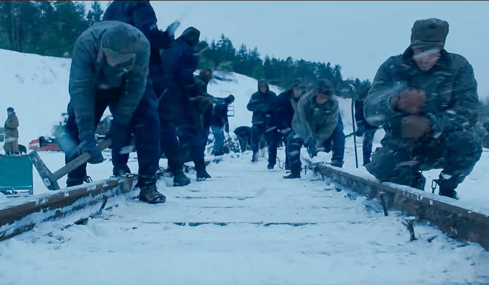 Zatvorenici u službenom teaseru za četvrtu sezonu bez sumnje grade željeznicu, vjerojatno Bajkalsko-amursku magistralu.