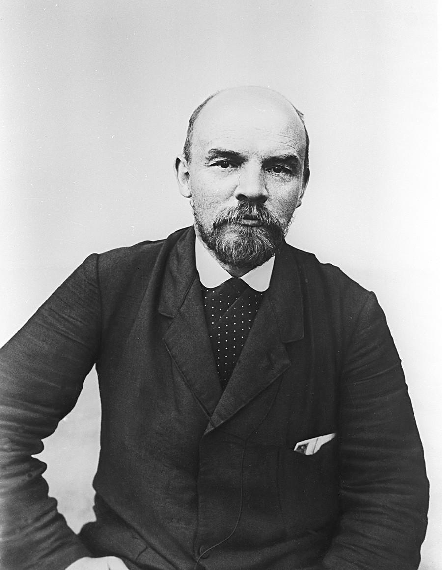 Репродукција фотографије Владимира Лењина (1870-1924).
