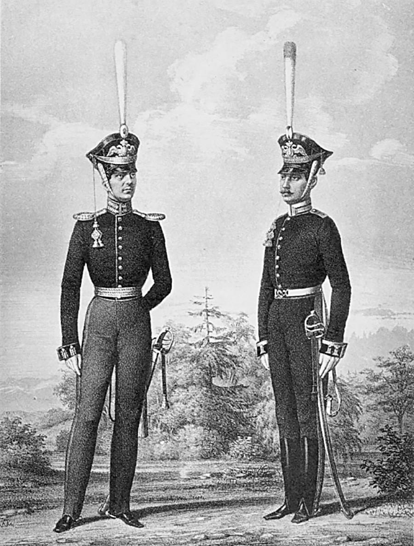 Л.-гв. Конно-Артиллерийская бригада, обер-офицер (слева), фейерверкер (справа)