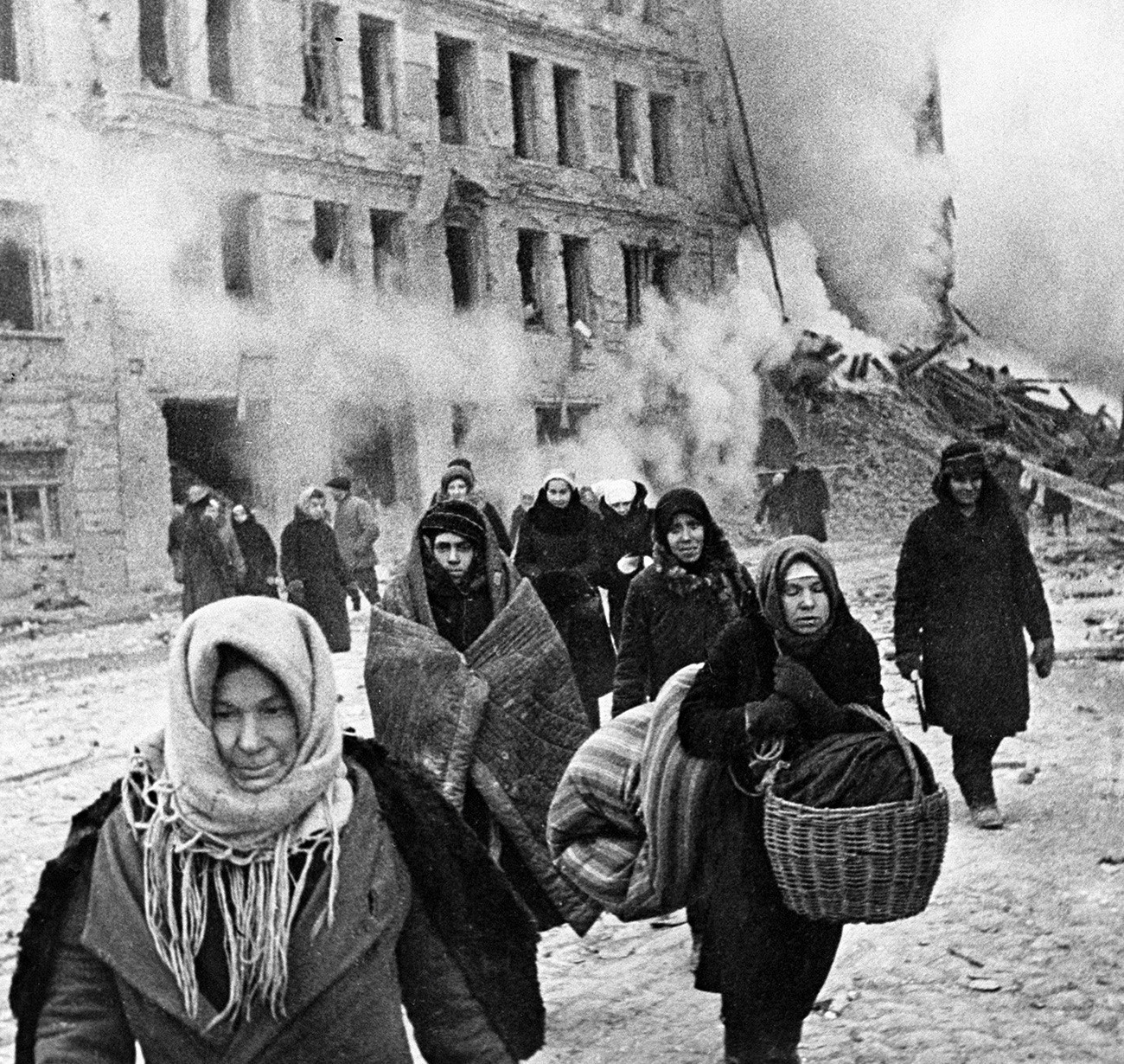 Citizens of Leningrad during the siege of the city (1941 - 1943)