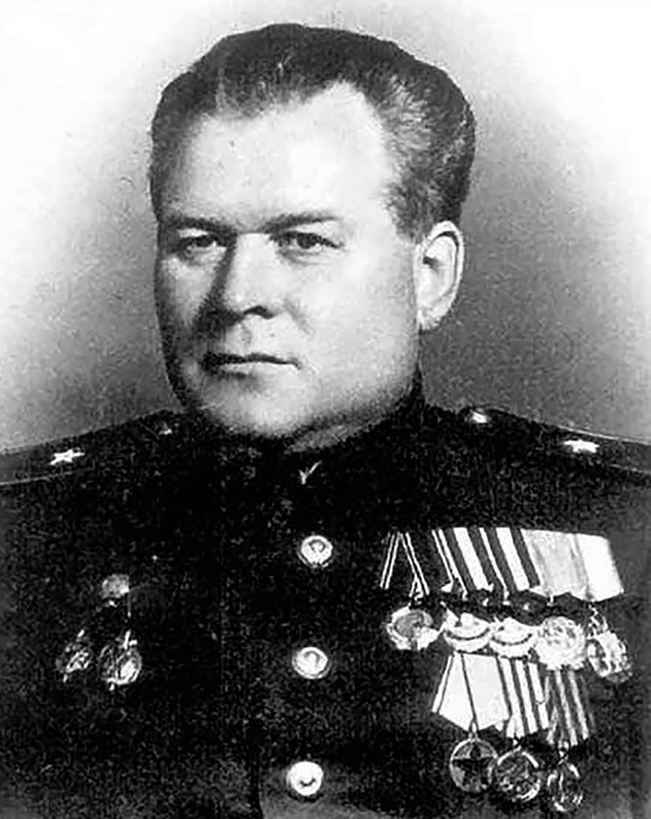 Официјалната партиска фотографија на генерал-мајорот Василиј Блохин.