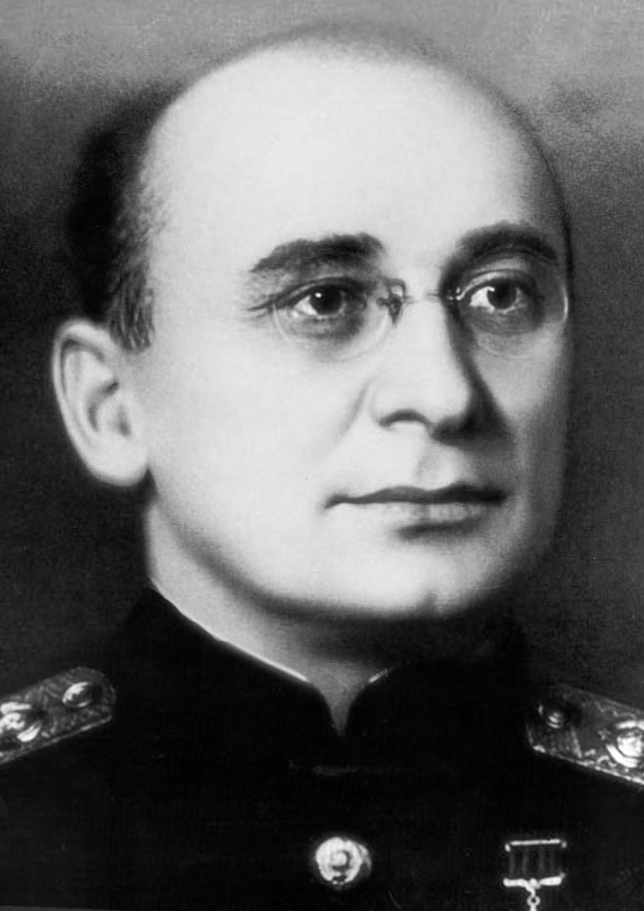 Исечок од фотографија со Лаврентиј Павлович Берија, народен комесар за внатрешни работи на СССР.