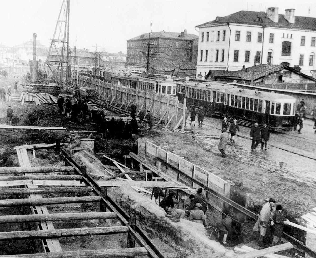 Строительство шахты метрополитена в Москве, 1933